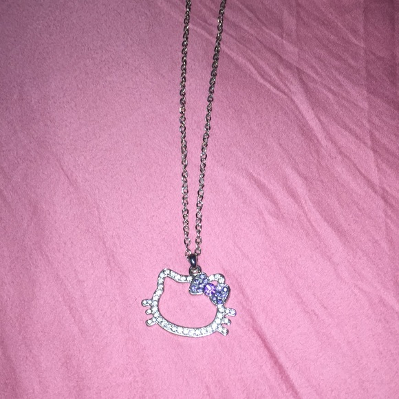 e35dd5e4c Hello Kitty Jewelry - Hello Kitty on a chain
